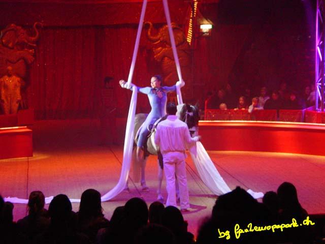 Loïc Teutschet et Priscilla Krateyl Tangara pour des acrobaties aériennes